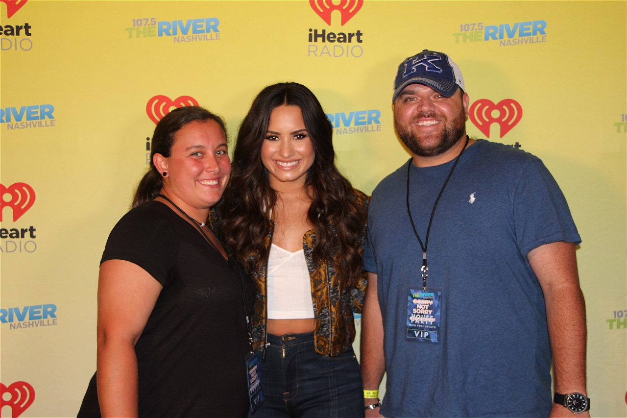 Photos Demi Lovato Meet And Greet Web Girl 1075 The River