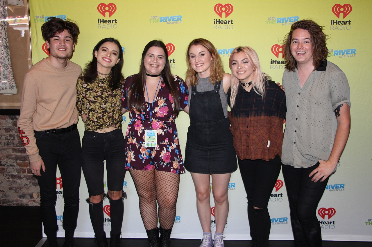 Photos Hey Violet Meet And Greet Web Girl 1075 The River