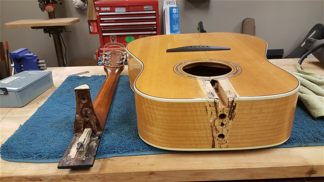 Instrument Repair Five Star Guitars Jack Acoustic Wiring And Builds His Own Custom Instruments Ian Is An Fmic Certified Warranty Tech Taylor Buzz Feiten Tuning System Installer