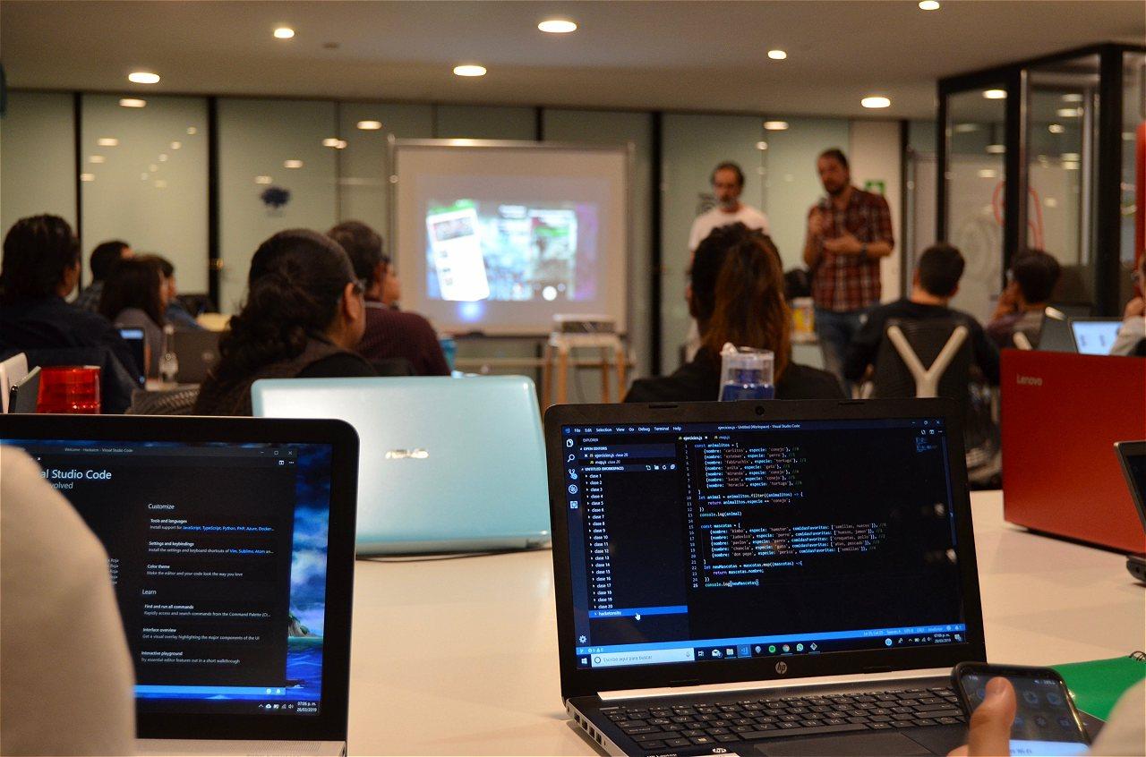 Qué son los bootcamps y por qué son la llave de la educación digital en  América Latina?